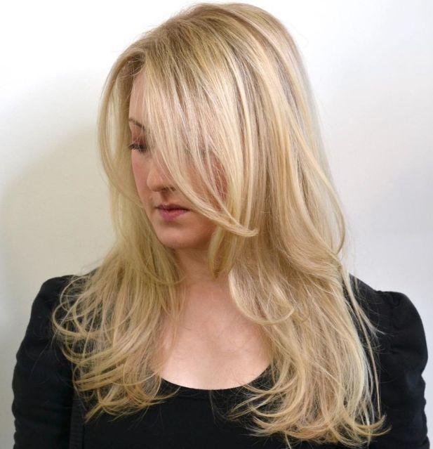 Деликатно-многослойная прическа для тонких волос