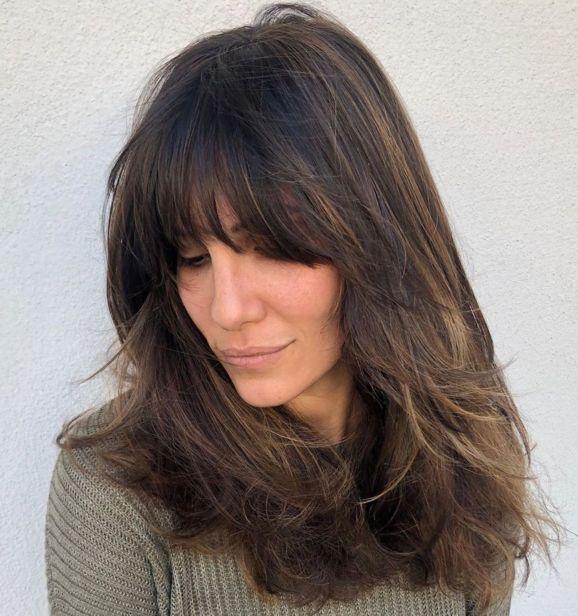 Длинная косая стрижка