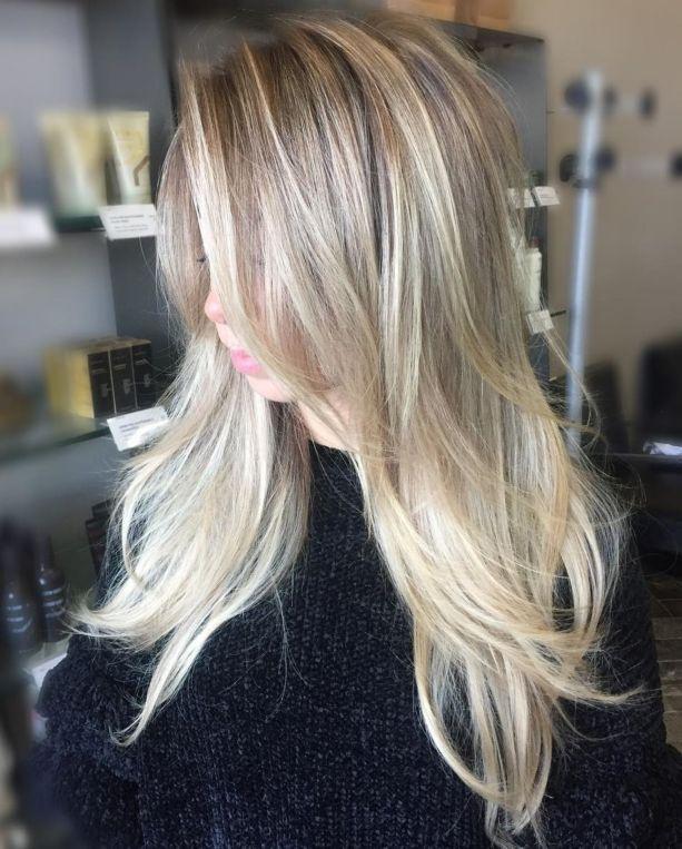 Длинные многослойные и мелированные тонкие волосы