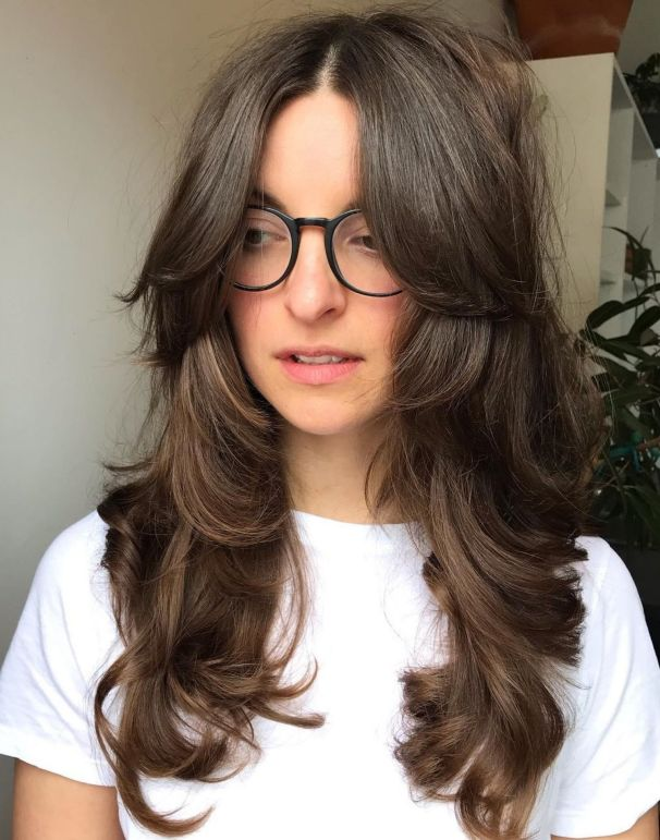 Многослойная стрижка для густых волнистых волос