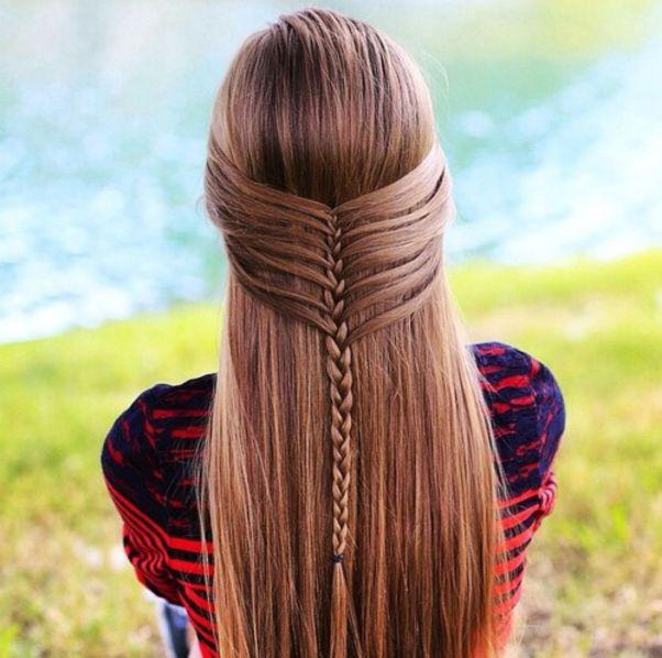 Прямые волосы с обратной косой-водопад