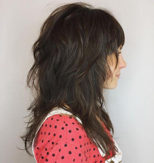 Текстурированные волосы с короткими слоями