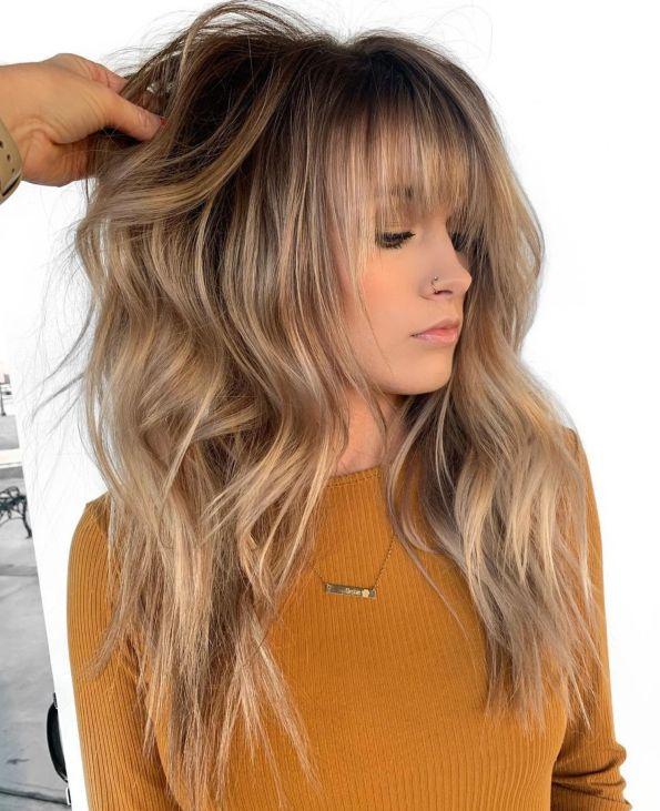 каскад с золотистой брондой для длинных волос