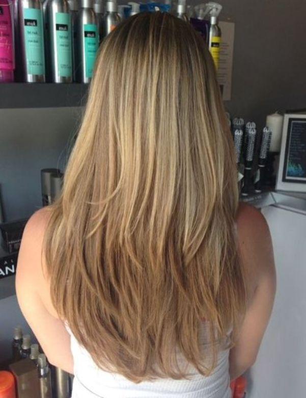 Каштановые светлые волосы с длинными слоями