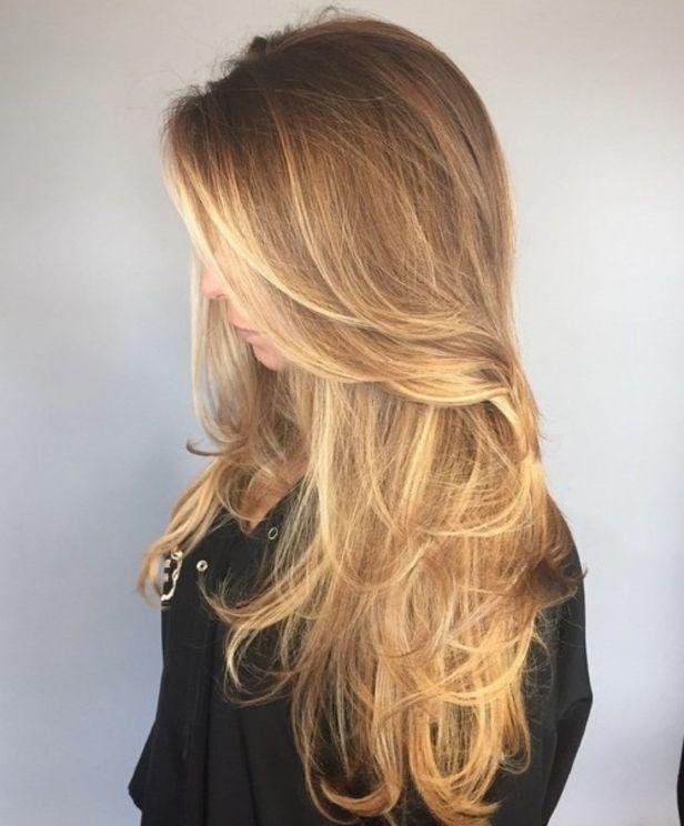 Беспорядочная многослойная стрижка для тонких волос